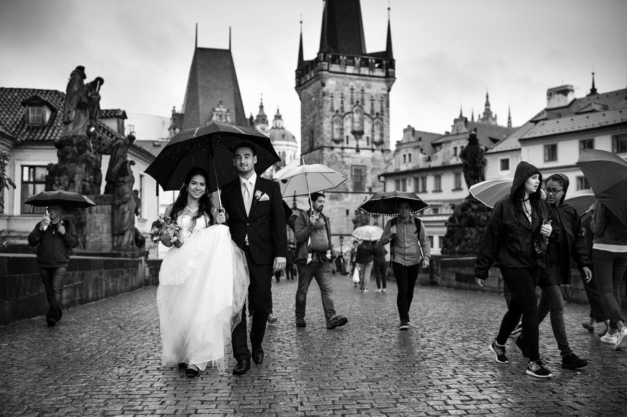 svatba v dešti Praha