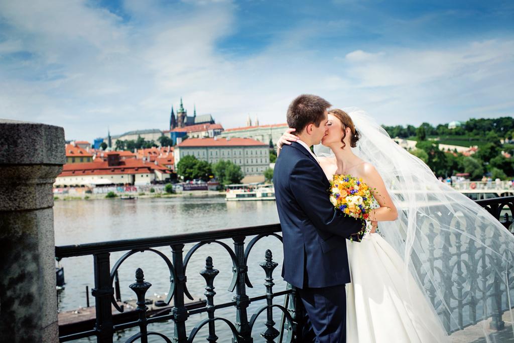 svatba v Praze Nejsvětější Salvátor