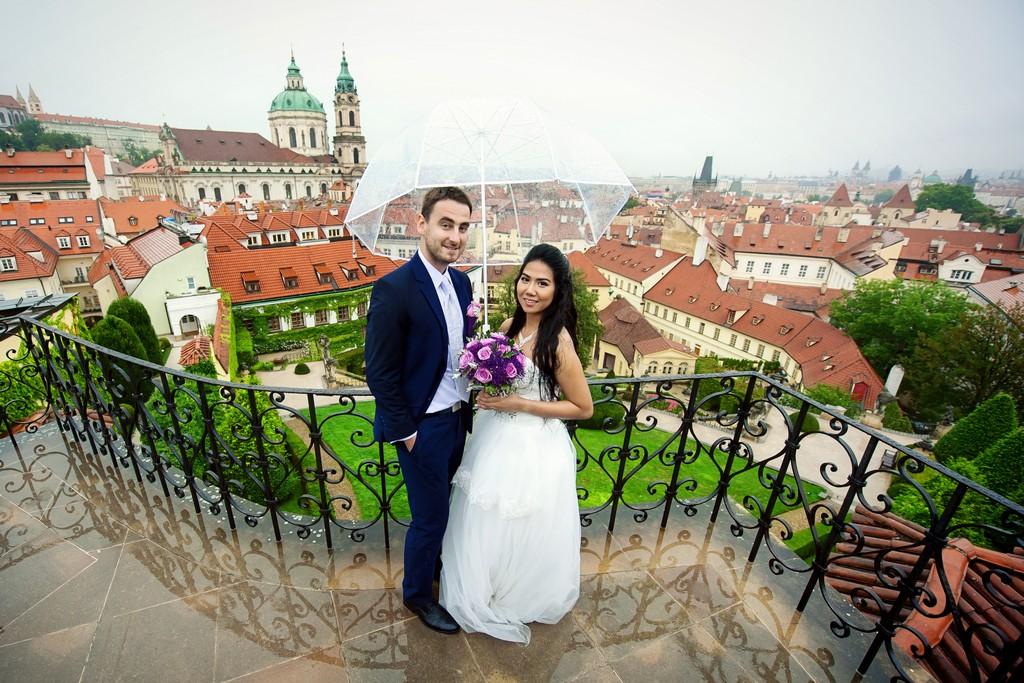 svatební fotograf Praha Aleš Tuček svatba Vrtbovská zahrada